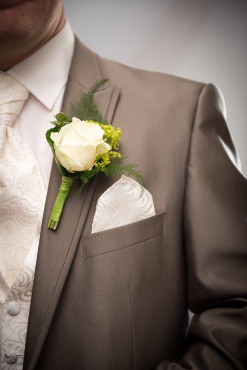 Blumenbuket des Bräutigams