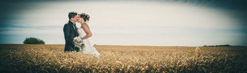 Brautpaarshooting im Kornfeld am Urweiler Hof in St. Wendel im Saarland