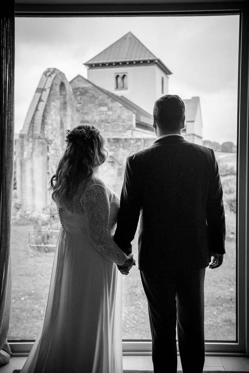 Brautpaar im Lösch in Hornbach in Rheinland Pfalz mit eurem Hochzeitsfotografen