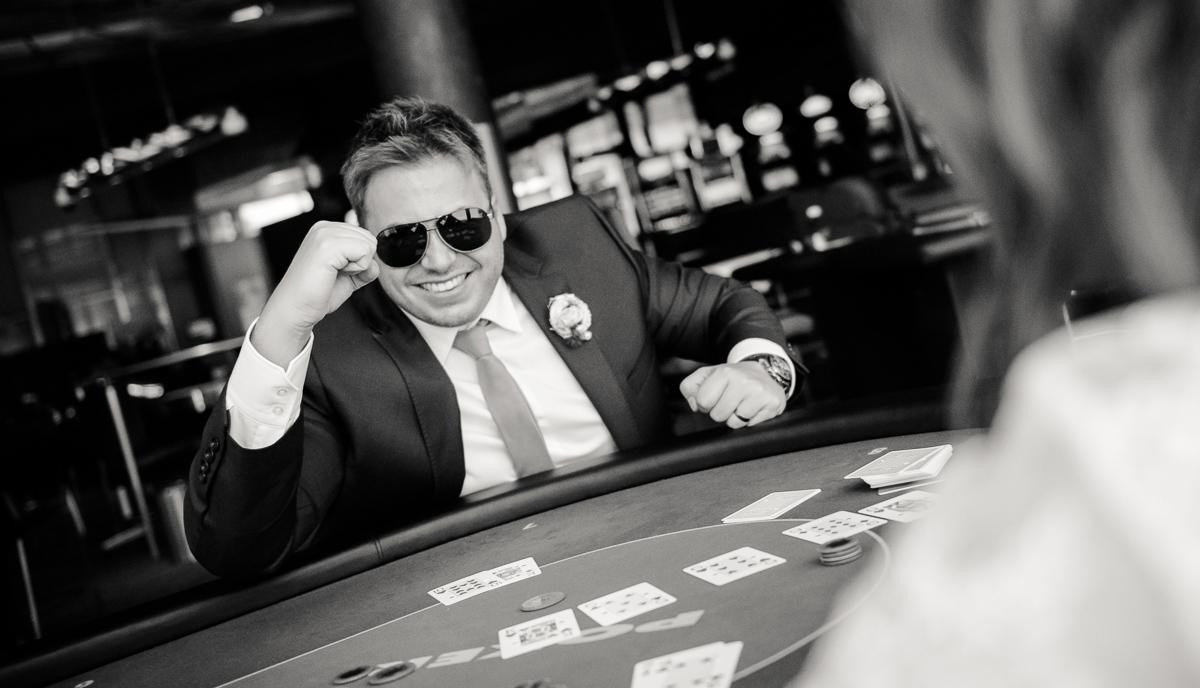 Bräutigam im Casino Saarbrücken im Saarland